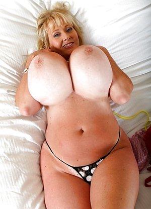 Giant Fake Tit Mature - Huge Tits, Big Boobs Pics, Naked Busty Girls